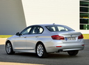 Фото авто BMW 5 серия F07/F10/F11 [рестайлинг], ракурс: 135 цвет: серебряный