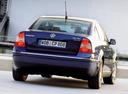 Фото авто Volkswagen Passat B5.5 [рестайлинг], ракурс: 180 цвет: синий