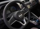 Фото авто Nissan Leaf 2 поколение, ракурс: рулевое колесо