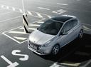 Фото авто Peugeot 208 1 поколение, ракурс: 45 цвет: серебряный