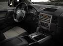 Фото авто Nissan Titan 1 поколение [рестайлинг], ракурс: центральная консоль