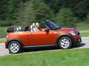 Фото авто Mini Cabrio R57 [рестайлинг], ракурс: 270 цвет: оранжевый