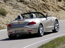 Фото авто BMW Z4 E89, ракурс: 225 цвет: серебряный