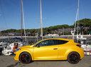 Фото авто Renault Megane 3 поколение [2-й рестайлинг], ракурс: 90 цвет: желтый