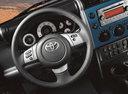 Фото авто Toyota FJ Cruiser 1 поколение [рестайлинг], ракурс: рулевое колесо
