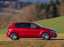 Фото авто Volkswagen Polo 5 поколение [рестайлинг], ракурс: 270 цвет: красный