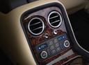 Фото авто Bentley Continental 3 поколение, ракурс: элементы интерьера