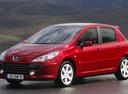 Фото авто Peugeot 307 1 поколение [рестайлинг], ракурс: 45 цвет: красный