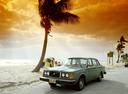 Фото авто Volvo 240 1 поколение, ракурс: 45 цвет: зеленый