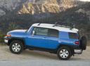 Фото авто Toyota FJ Cruiser 1 поколение, ракурс: 90 цвет: синий
