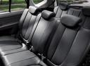 Фото авто Kia Carens 3 поколение, ракурс: задние сиденья