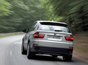 Фото авто BMW X5 E70, ракурс: 180 цвет: серебряный