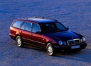 Фото авто Mercedes-Benz E-Класс W210/S210, ракурс: 315 цвет: бордовый
