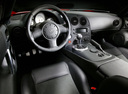Фото авто Dodge Viper 3 поколение, ракурс: торпедо