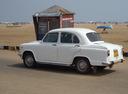 Фото авто Hindustan Ambassador 2 поколение, ракурс: 90