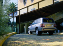 Фото авто Toyota Land Cruiser J100 [2-й рестайлинг], ракурс: 135