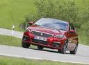 Фото авто Peugeot 308 T9 [рестайлинг], ракурс: 45 цвет: красный