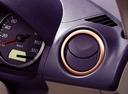 Фото авто Mazda Demio DY, ракурс: элементы интерьера