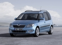 Фото авто Skoda Roomster 1 поколение [рестайлинг], ракурс: 45 цвет: голубой