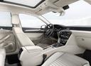 Фото авто Volkswagen Passat B8, ракурс: салон целиком
