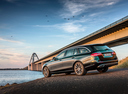 Фото авто Mercedes-Benz E-Класс W213/S213/C238/A238, ракурс: 135 цвет: бирюзовый