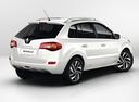 Фото авто Renault Koleos 1 поколение [2-й рестайлинг], ракурс: 225 цвет: белый