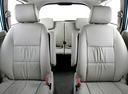 Фото авто Toyota Innova 1 поколение [2-й рестайлинг], ракурс: задние сиденья