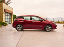 Фото авто Nissan Leaf 2 поколение, ракурс: 270 цвет: красный