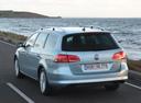 Фото авто Volkswagen Passat B7, ракурс: 135 цвет: серый
