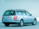 Фото авто Volkswagen Passat B5.5 [рестайлинг], ракурс: 225 цвет: серебряный