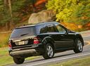 Фото авто Mercedes-Benz M-Класс W164, ракурс: 225 цвет: черный