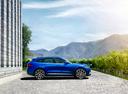 Фото авто Jaguar F-Pace 1 поколение, ракурс: 270 цвет: синий