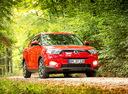 Фото авто SsangYong Tivoli 1 поколение, ракурс: 315 цвет: красный