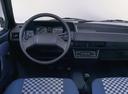 Фото авто Volkswagen Polo 2 поколение, ракурс: торпедо