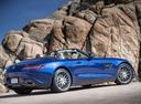 Фото авто Mercedes-Benz AMG GT C190 [рестайлинг], ракурс: 225 цвет: голубой
