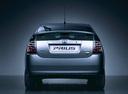 Фото авто Toyota Prius 2 поколение, ракурс: 180 цвет: серебряный
