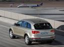 Фото авто Audi Q7 4L, ракурс: 135