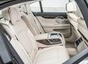 Фото авто BMW 7 серия G11/G12, ракурс: задние сиденья