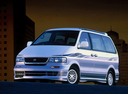 Фото авто Nissan Largo W30 [рестайлинг], ракурс: 45
