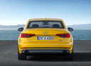 Фото авто Audi A4 B9, ракурс: 180 цвет: золотой