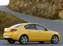 Фото авто Mazda 3 BK, ракурс: 225 цвет: желтый