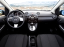 Фото авто Mazda 2 DE [рестайлинг], ракурс: торпедо