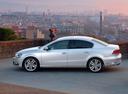 Фото авто Volkswagen Passat B7, ракурс: 90 цвет: серебряный