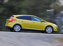 Фото авто Ford Focus 3 поколение, ракурс: 270 цвет: желтый