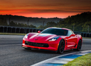 Фото авто Chevrolet Corvette C7, ракурс: 45 цвет: красный