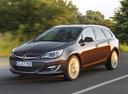 Фото авто Opel Astra J [рестайлинг], ракурс: 45 цвет: коричневый