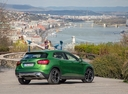 Фото авто Mercedes-Benz GLA-Класс X156 [рестайлинг], ракурс: 225 цвет: зеленый