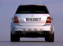 Фото авто Mercedes-Benz M-Класс W164, ракурс: 180 цвет: серебряный