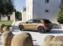 Фото авто Mercedes-Benz GLA-Класс X156 [рестайлинг], ракурс: 135 цвет: золотой