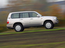 Фото авто Toyota Land Cruiser J100 [рестайлинг], ракурс: 270 цвет: серебряный